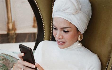 Nikita Mirzani Klarifikasi Tudingan Bakal Lepas Hijab