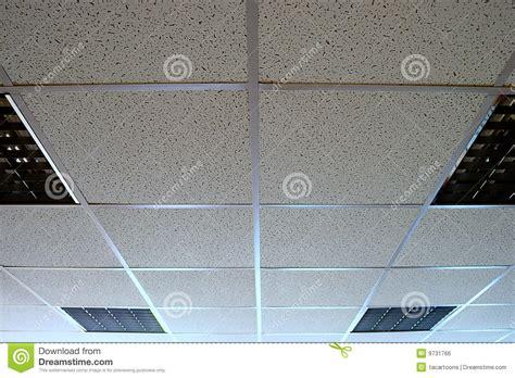 eclairage plafond bureau plafond de bureau image libre de droits image 9731766