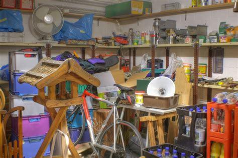 Stauraum Fuer Die Garage Richtig Verstauen Und Lagern by Keller Aufr 228 Umen Und Putzen Putzen De