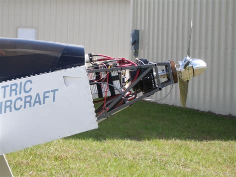 Electric Plane Motor by Electric Airplane Hacked Gadgets Diy Tech