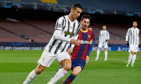 Ronaldo tops Messi with 2 goals in Juve's 3-0 win at Barca ...