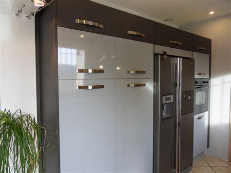 cuisine avec frigo americain integre realisation 31 moble