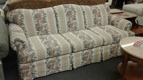 bassett floral stripe sofa delmarva furniture consignment