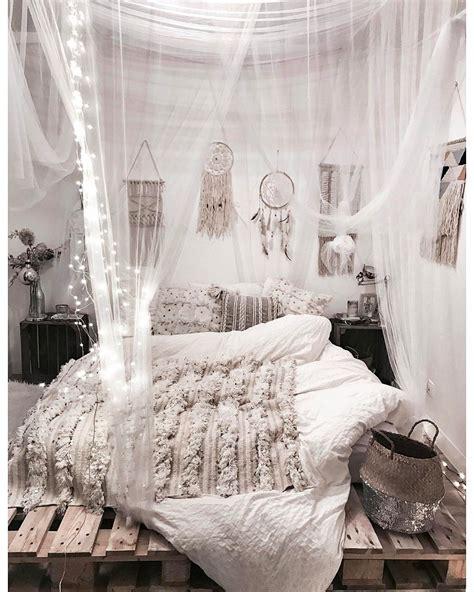 chambre en palette ma chambre cosy parfaite déco lit en palette attrape