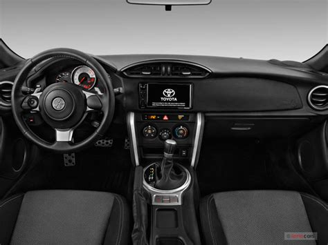 toyota  interior  news world report