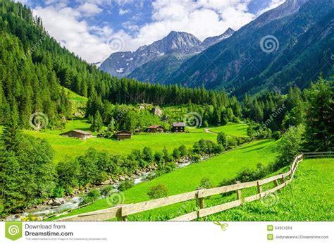 Cottage Montagna by Prati Verdi Cottage Alpini E Picchi Di Montagna