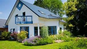 Kleines Haus Mit Garten Kaufen : garten anlegen nach hausbau ~ Frokenaadalensverden.com Haus und Dekorationen