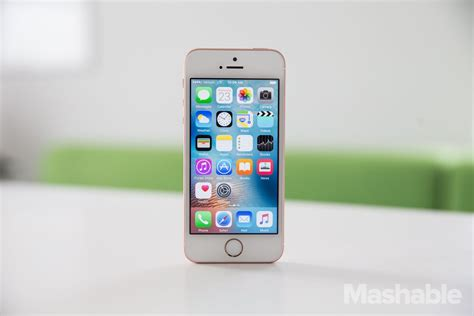 what of iphone do i iphone se review turns out things do come in small