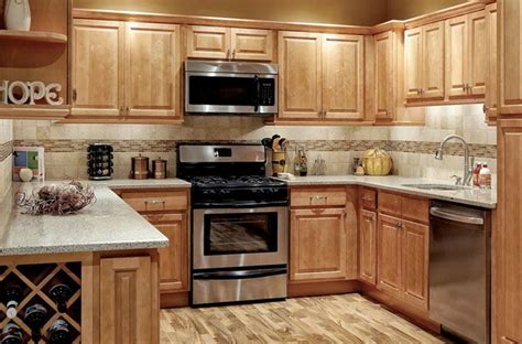 kitchen ideas with maple cabinets kitchens with honey maple cabinets park avenue honey 8125