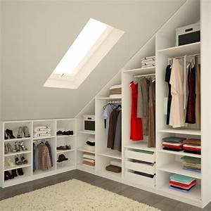 Begehbarer Kleiderschrank Design : die besten 25 schrank dachschr ge ideen auf pinterest einbauschrank dachschr ge dachboden ~ Frokenaadalensverden.com Haus und Dekorationen