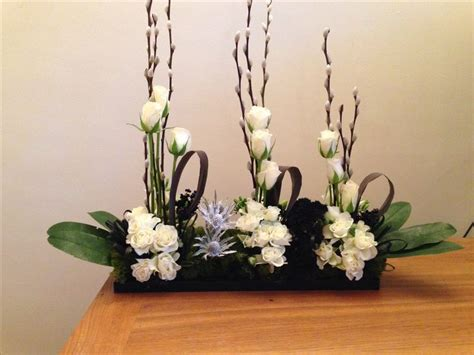 contemporary flower arrangements ideas 1000 ideas about contemporary flower arrangements on pinterest modern floral arrangements