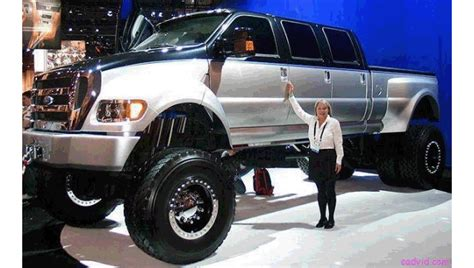 how big is a car big car small world