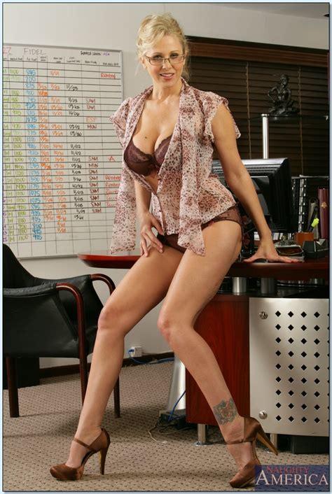 Mature Teacher Julia Ann Demonstrating Her Sexy Butt In