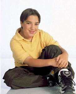 Degrassi friday most underrated episode kary39s degrassi for Degrassi mirror in the bathroom