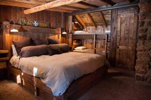 Primitive Kitchen Paint Ideas by 65 Cozy Rustic Bedroom Design Ideas Digsdigs