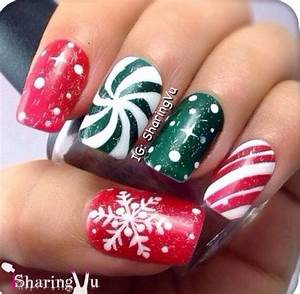 Red and green christmas nails