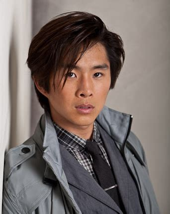justin chon  twilight guide