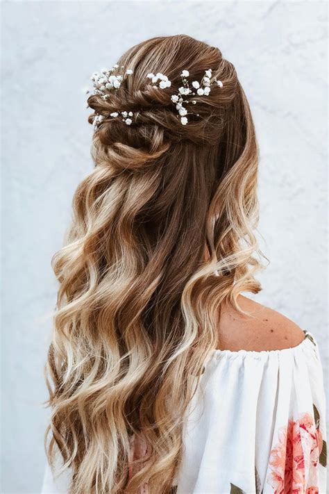 Half Hairstyles by Half Up Half Hairstyles We Re Loving Right Now