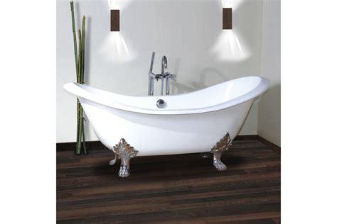baignoire en fonte emaillee 28 images baignoire ilot en fonte 170x77 cm peinte en noir pieds