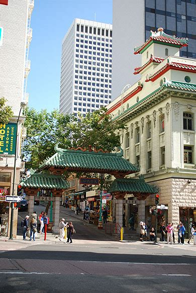 chinatown san francisco visite du quartier chinois l 39 entrée du quartier chinois chinatown downtown san