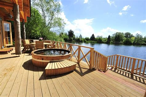 log cabin tub breaks uk getaways uk luxury weekend breaks for