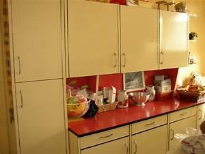 Relooker Meuble Cuisine : relooker sa cuisine en formica cool une crdence il existe aussi des gammes duadhsifs ~ Mglfilm.com Idées de Décoration