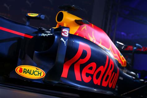 Red Bull Racing 2016 Livery Reveal