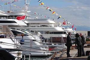 Maserati Antibes : antibes yacht show 2012 in partnership with ferrari dealer modena motors cannes yacht charter ~ Gottalentnigeria.com Avis de Voitures