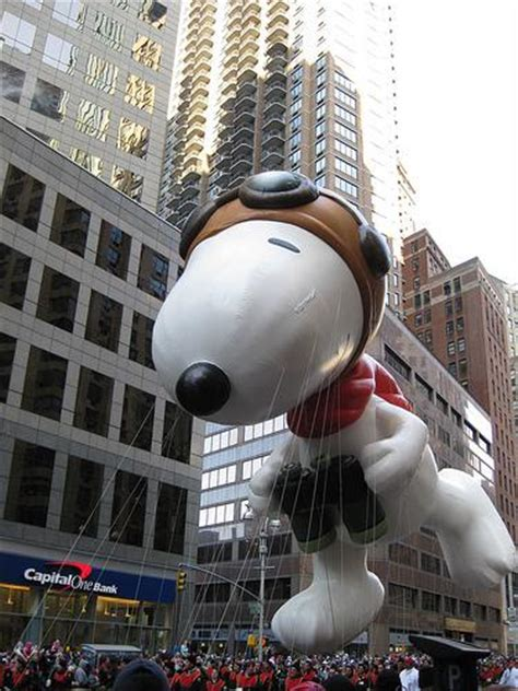 snoopy balloon   missed  macys thanksgiving day