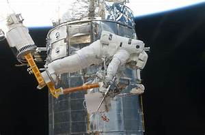 Hubble Space Telescope | Outside the Spacecraft