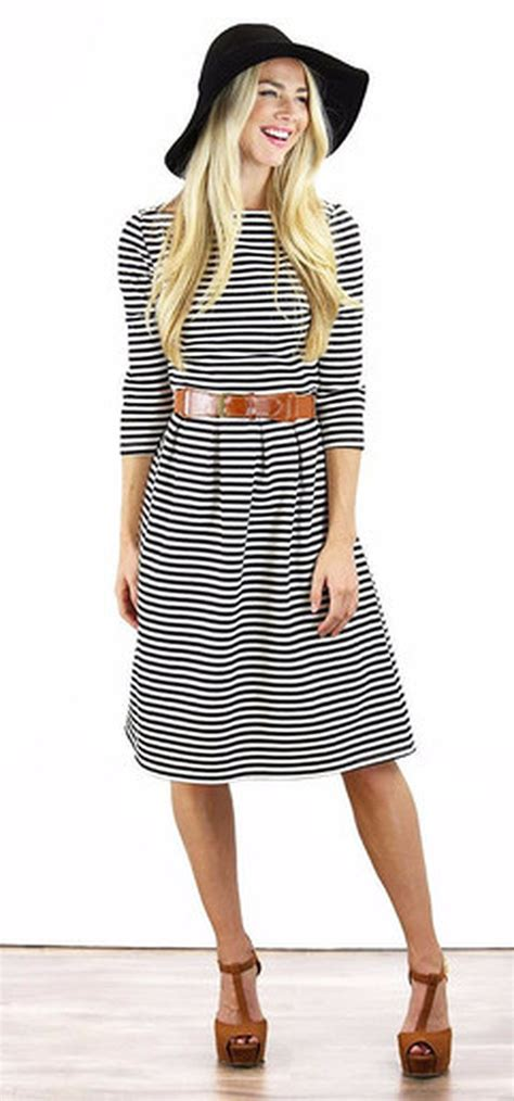Casual black white striped midi dress outfit 6 - Fashion Best