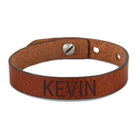 tablier et toque de cuisine bracelet prénom homme cuir marron yoursurprise