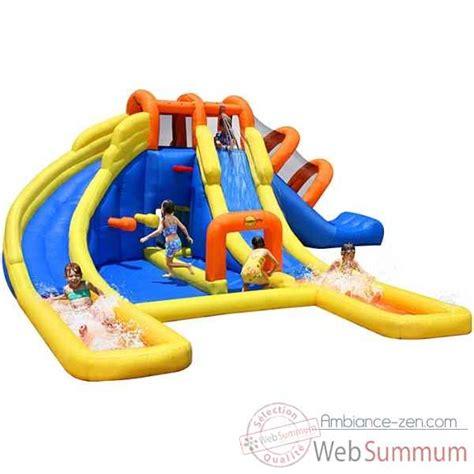 jeu gonflable adventure zone happy hop dans piscine enfant de jouer sur ambiance zen