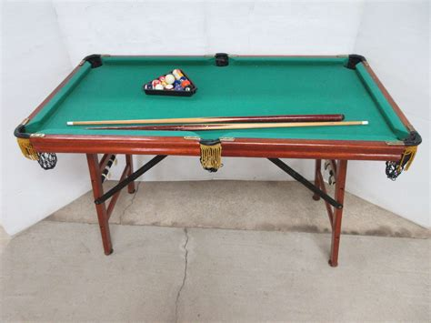 albrecht auctions tailgate pool table  balls cues  rack