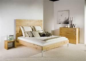 Sofa Und Bett In Einem Raum