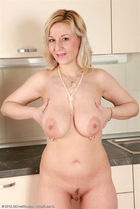 Housewife Brenda Serve Something Juicy In The Kitc