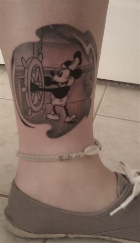 Steamboat Willie Tattoo by 1000 Ideas About Steamboat Willie On Pinterest Vintage