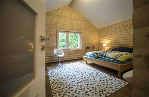 chambre lambris bois chambre en lambris bois maison design mochohome com