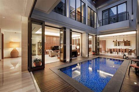 inspirasi kolam renang modern  rumah