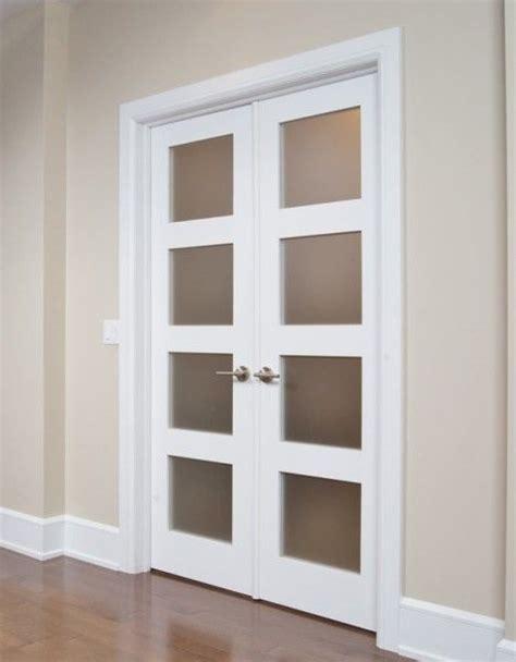 porte de chambre rona porte française avec verrou encastré et astragale