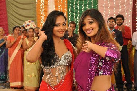 yureni noshika upeksha swarnamali sri lankan actresses saree b s saree sari fashion