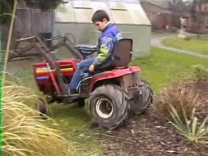 Mini Traktor Mit Frontlader : rasentraktor frontlader youtube ~ Kayakingforconservation.com Haus und Dekorationen