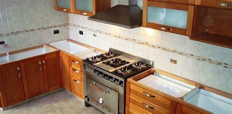 muebles de cocina en madera de cedro natural  medida