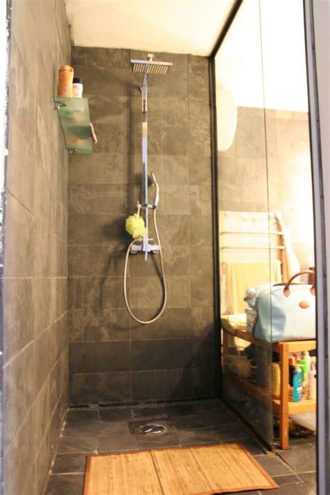 mur ardoise cuisine salle de bain parement ardoise idées de décoration et de