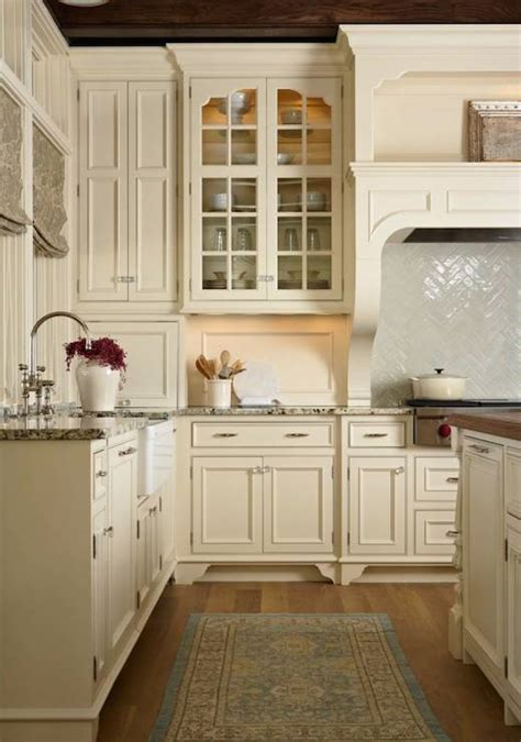 white or cream kitchen cabinets cream kitchen cabinets design ideas