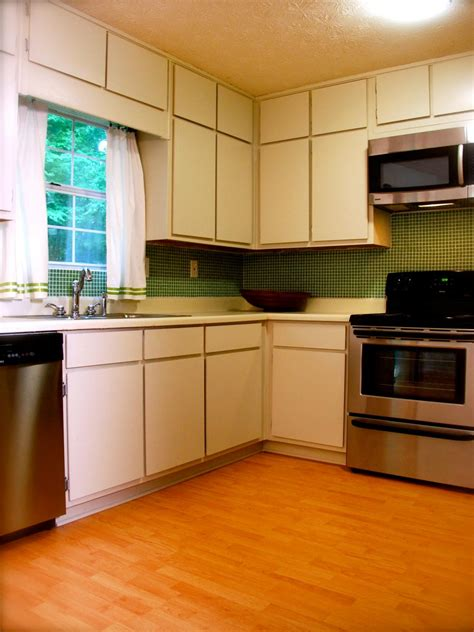 sell my kitchen cabinets home staging tips from designed to sell designed to sell 5122