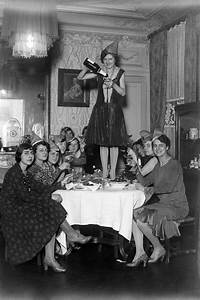 17 Best images about Vintage Party Girls on Pinterest ...