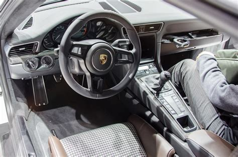 porsche carrera interior 2017 porsche 911 r revealed with 500 hp lightweight body 6