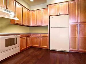 Spray Painting Kitchen Cabinets: Pictures & Ideas From