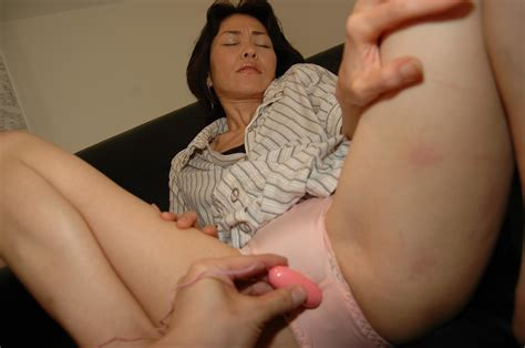 mature porn land.com: Mature Japanese babe Yukie Matsui gets her pussy leaking as sex toys